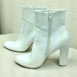 A New Day White Patent leather Ankle Gogo boots 9
